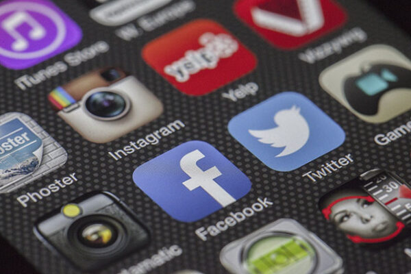 12 ways to use social media to get a job